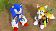 SC Sonic and Tails watching
