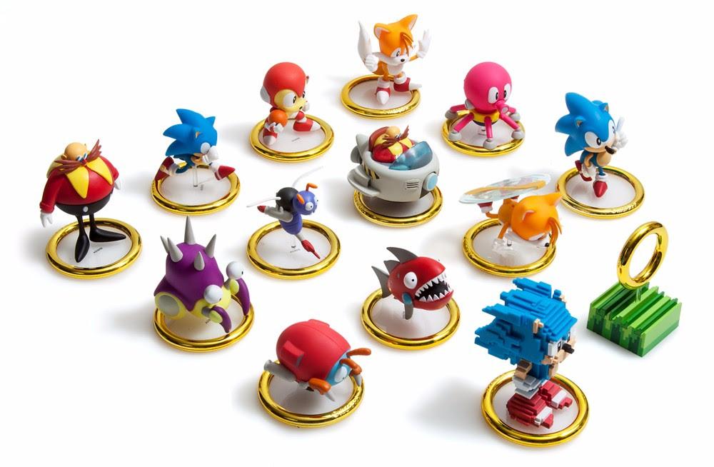 Kidrobot Sonic The Hedgehog Vinyl Key Chain Mini-Figure Buzz Bomber