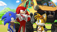 S2E33 Sonic Tails Knuckles