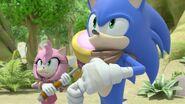 S1E31 Sonic Amy pose