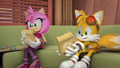 Amy and Tails holding their lunch.png