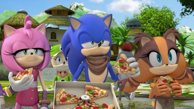 File:Eating pizza.png