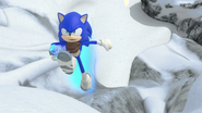 Sonic running with the crystal