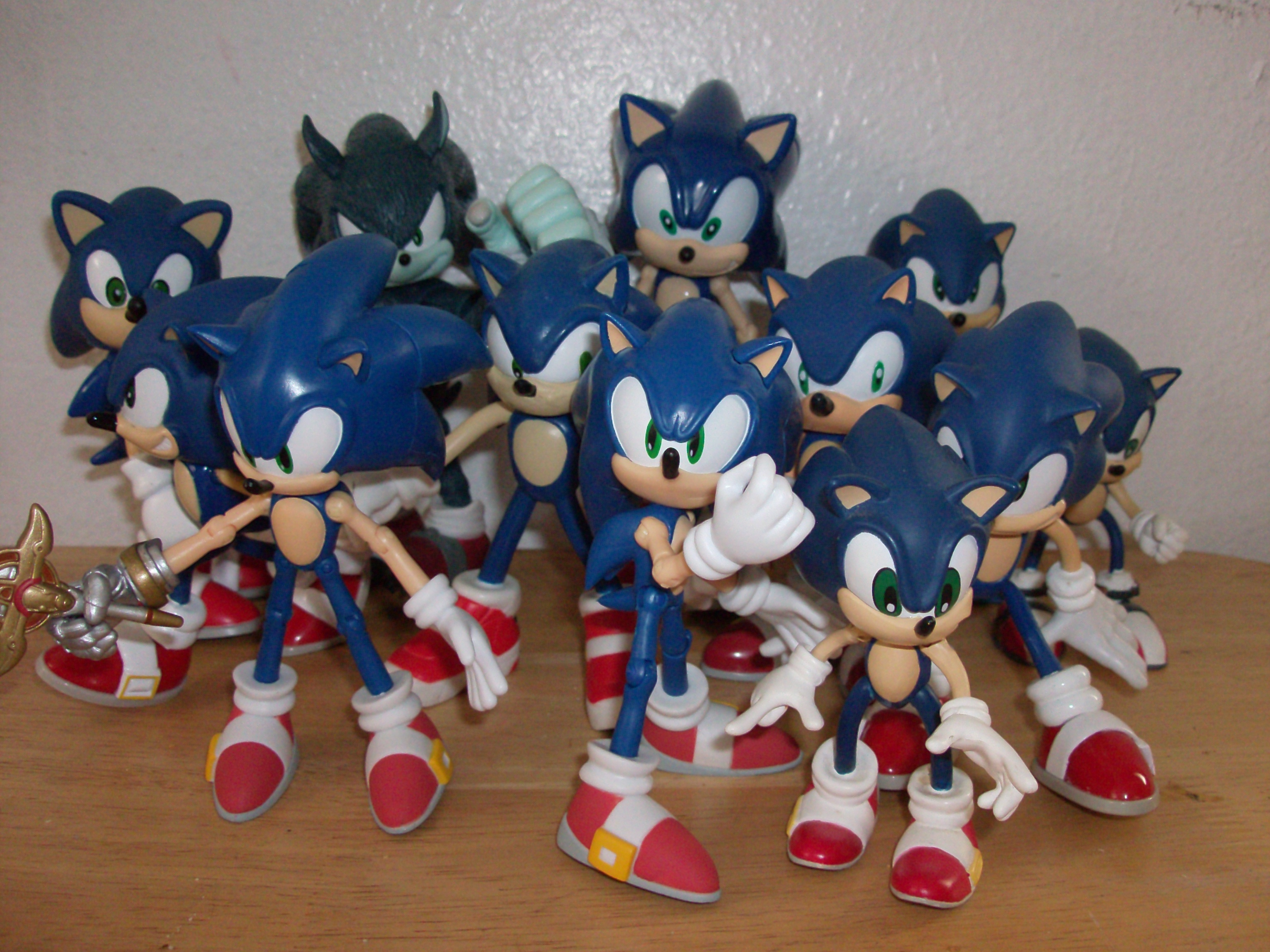 RARE FEVA SEGA SONIC THE HEDGEHOG SONIC X KNUCKLES ACTION FIGURE