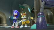 Robot spots Sonic and Tails