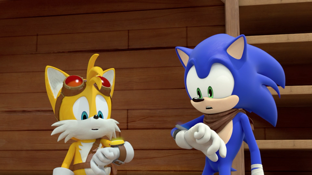 File:Sonic and Tails communicators.png