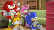 Team Sonic playing games