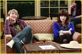 Episode-Guess-Who-s-Coming-To-Guest-Star-channy-7950489-600-402
