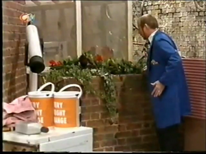1998-09-14 - Sooty and Co - 6x03 - Health Risk - Part 01 of 02 322