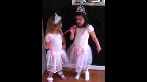 Sophia Grace Brownlee raps Super bass & Rosie Grace McClelland dances!!