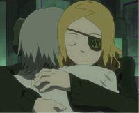 Marie hugs stein