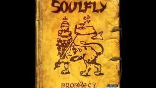 Soulfly - Living Sacrifice (lyrics)