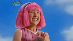 Lazy Town Theme - Intro - Music - Titles - Cbeebies - High Q