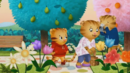 Daniel Tiger's Neighborhood Sound Ideas, CAMERA 35 MM SLR WITH AUTO WINDER SINGLE SHOT (2)