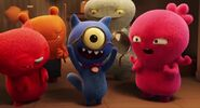 UglyDolls Trailer CARTOON, PLUCK - SMALL VIOLIN STRING PLUCK AND BEND 01