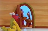 DOOR, WOOD - OPEN, 01 Nick Jr's Show and Tell