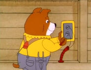 Richard Scarry's Best Busy People Video Ever! Sound Ideas, SQUEAK, METAL - METAL THREAD TURNING