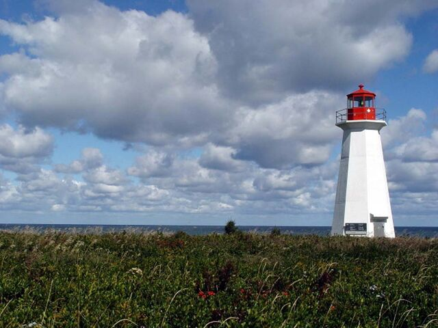 File:Naufrage Lighthouse.jpg