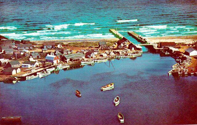 File:Naufrage Harbour 1960s Aerial.jpg