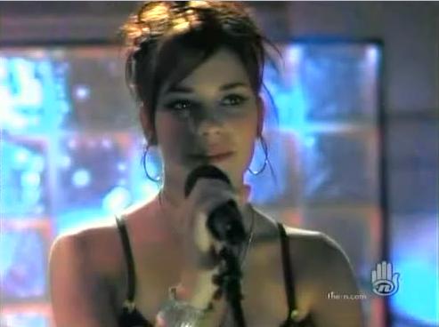 File:Ashley singing.png