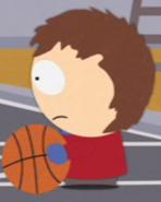 Clyde jugando basketball