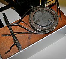 220px-William Herschel's Mirror-polisher