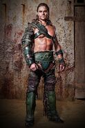 Dustin-Clare-Gannicus-Photos-530x795