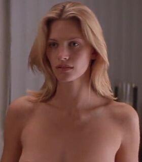 Lucy deakins free nude