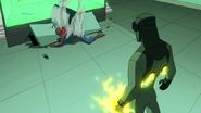 Electro y Spider Man se encuentran en el laboratorio de la Universidad de Empire State - Interactions