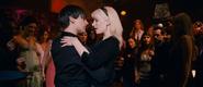Peter bailando con Gwen