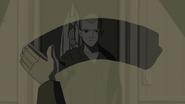Curtis se ve en el espejo antes de inyectarse el suero de lagarto - Natural Selection