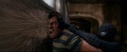 Spider-Man ataca a Flint contra el tren