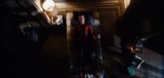 Peter acostado en una noche