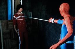Spider-Man (Hammond) lanza redes