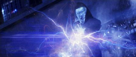 Electro lanzando rayos electricos