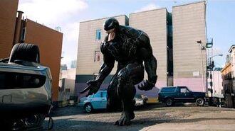 Venom (2018) Venom Pierde el Control con la Alarma de un Coche Car Alarm Deleted Scene