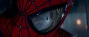 Spider-Man trata de salvar a Gwen