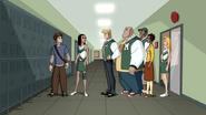 Peter se encuentra con un grupo de estudiantes de su preparatoria - Interactions