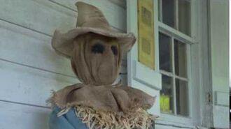Sitting Scarecrow - Spirit Halloween
