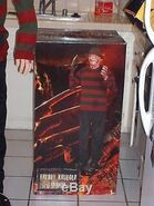 LIFE-SIZE-ANIMATRONIC-FREDDY-KRUEGER-HALLOWEEN-PROP-AWESOME-Used-07-cth