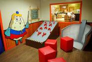 SpongeBob-Mrs-Puff-game-room