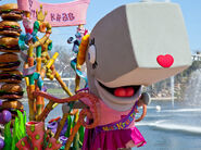 SpongeBob SquarePants - Pearl mascot costume