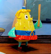 SpongeBob-Mrs-Puff-ruler-statue-side