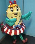 SpongeBob-Mrs-Puff-summer-dancing