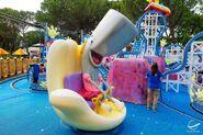 Pearl statue Nickelodeon Land