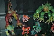 Spore figurines3