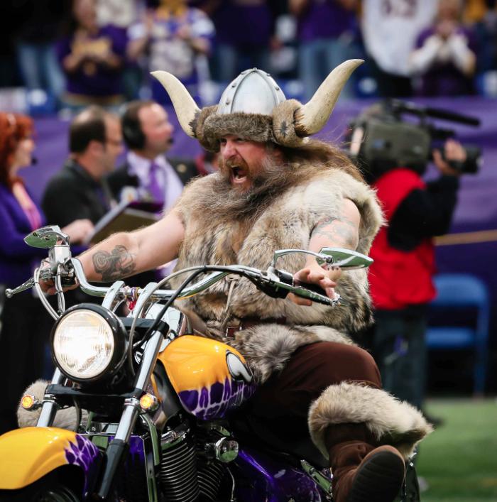 Ragnar The Viking Minnesota Vikings Sportsmascots Wikia