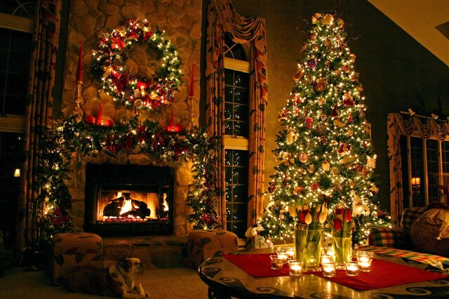 File:Best-christmas-tree-hd-wallpaper.jpg