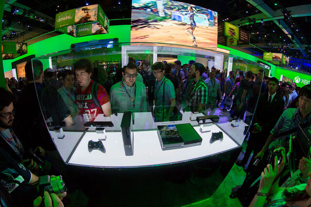 File:Xbox 360 E and Xbox One - E3 2013.jpg