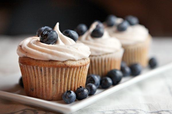 File:Blueberry-cupcakes.jpg